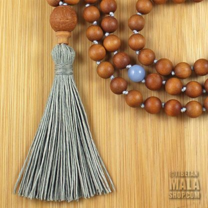 sandalwood knotted necklace